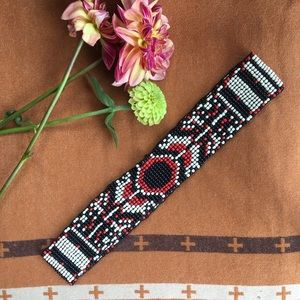Anthropologie seed bead stretch belt